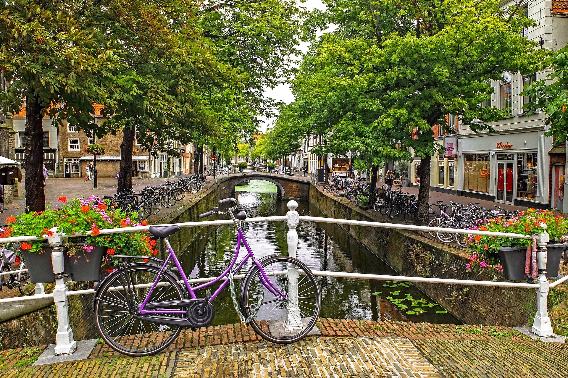 El uso de la bici en holanda alquiler de bicis en amsterdam - Consulado holandes barcelona ...