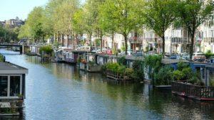Los canales en Amsterdam